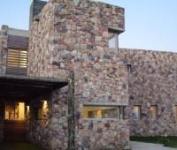 16 Fachadas de casas con piedras