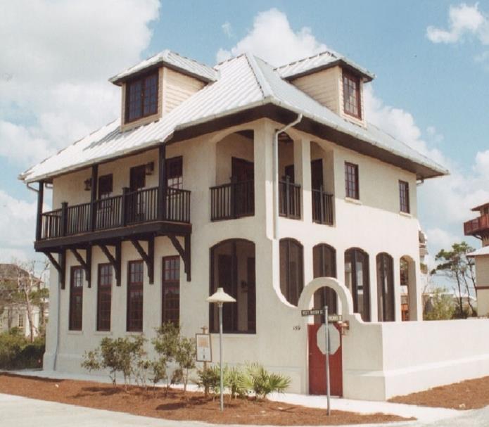 10 fachadas de bellas casas coloniales planos y fachadas for Pisos elegantes para casas