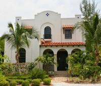 10 Fachadas de bellas casas coloniales