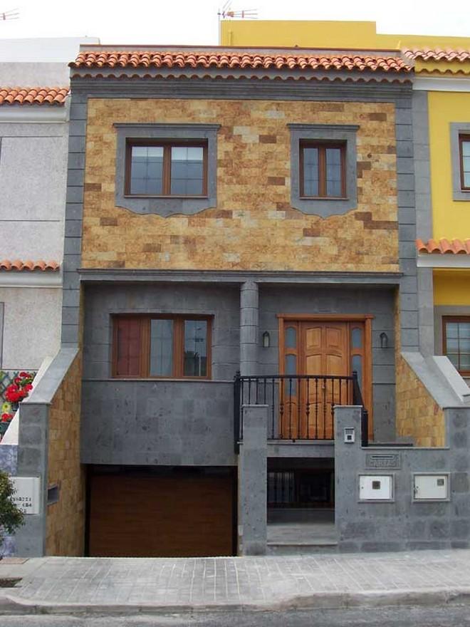 Im genes y fotograf as de fachadas con cantera planos y for Modelos de casas medianas