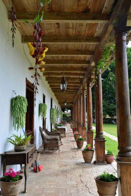 fachadas-de-casas-coloniales-22