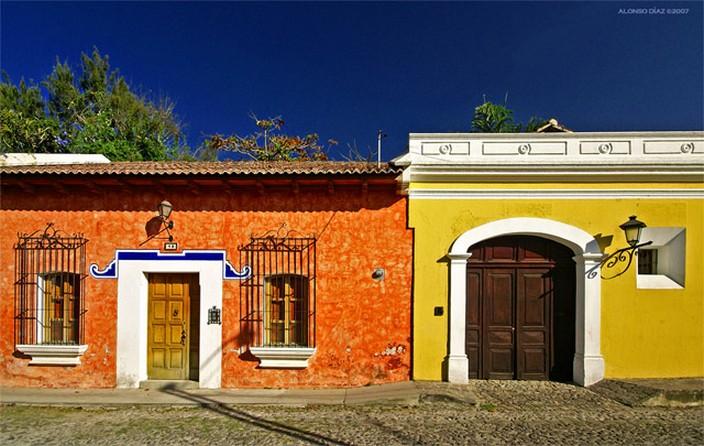 Fachadas de casas coloniales planos y fachadas todo - Como pintar una casa rustica ...