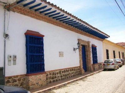 fachadas-de-casas-coloniales-80
