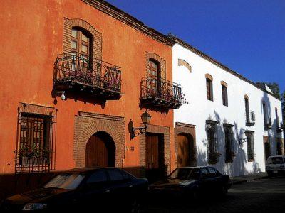 fachadas-de-casas-coloniales-98